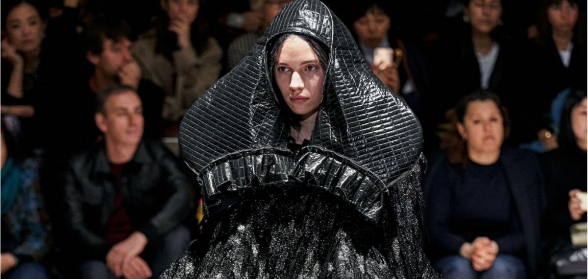 Ужасы реального мира на великолепном показе Comme des Garçons
