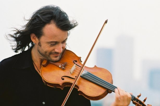 Украинский музыкант Владимир Дорош заставил расплакаться известного канадца!