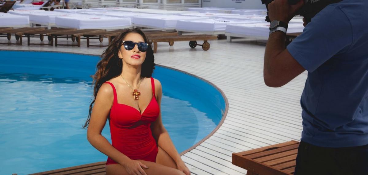 Наталка Карпа представила горячее видео на песню #ЛітоЛіто
