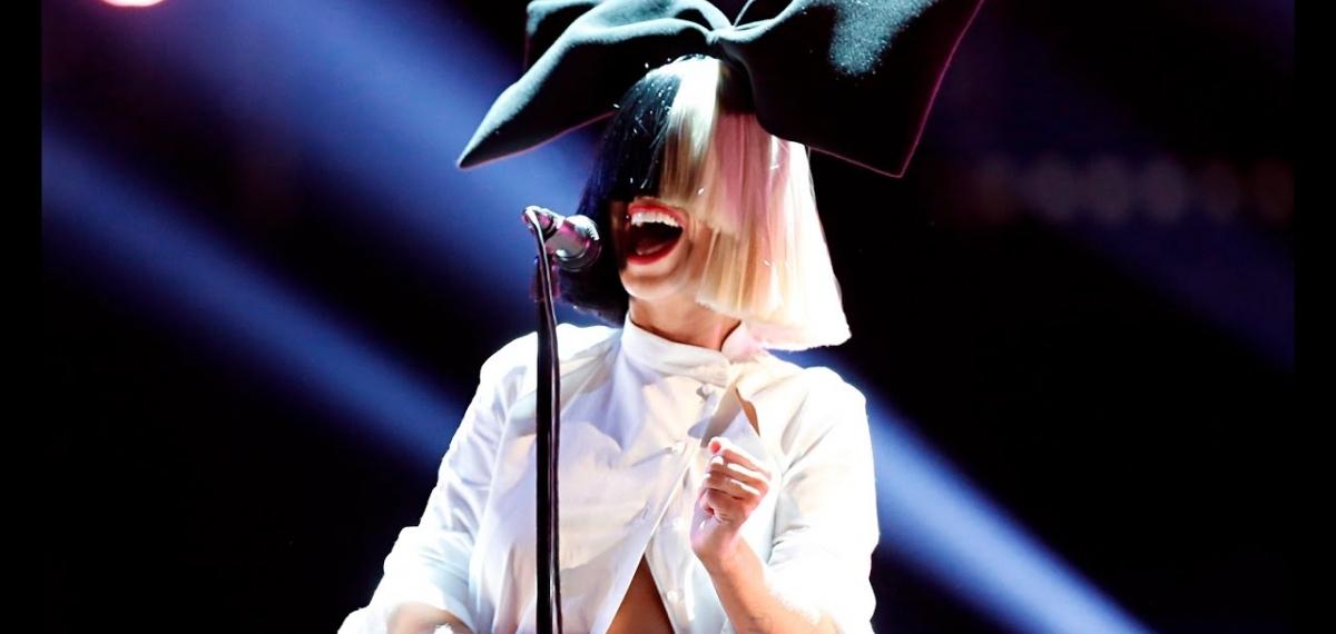 Sia анонсировала выход рождественского альбома