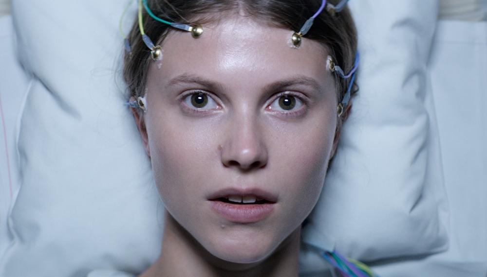 «Тельма», маленькая норвежская девочка со взглядом волчицы. О новом мистическом триллере Йоахима Триера