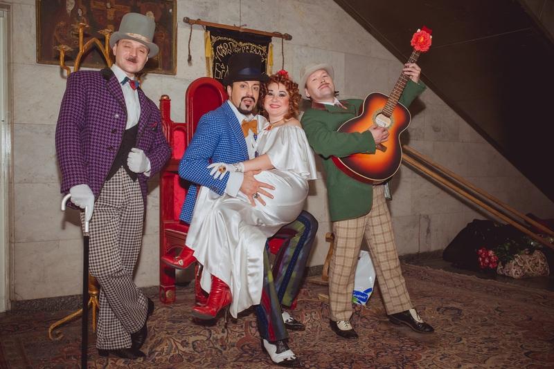 Украинские звезды снялись в оригинальных костюмах киностудии Довженко (фото)