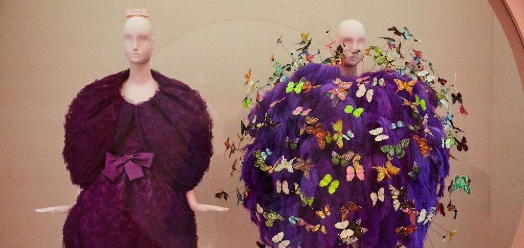 В преддверии Met Gala: Первый взгляд на выставку Института костюма