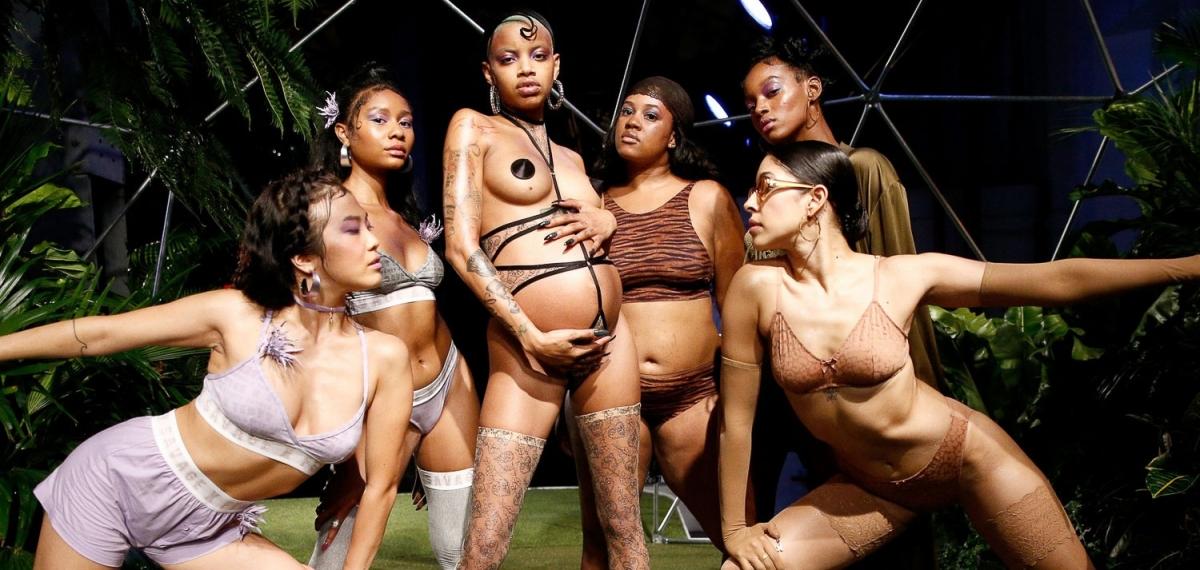 let's celebrate diversity! Rihanna поразила уникальным шоу
