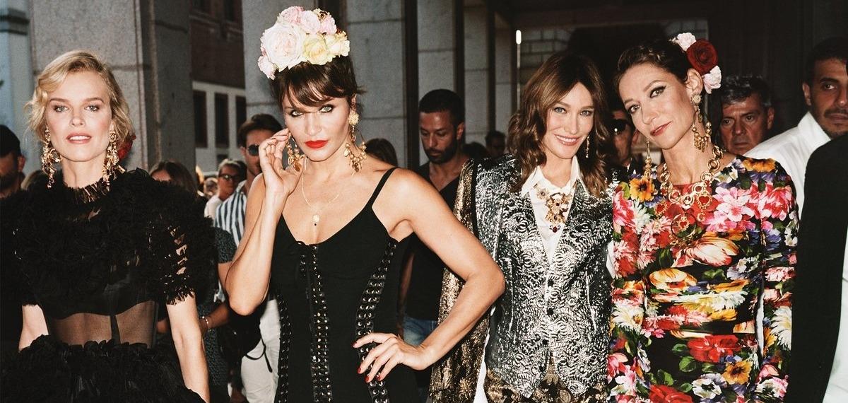 Dolce & Gabbana вывели Монику Беллуччи, Еву Герцигову, Карлу Бруни и других на улицы Италии