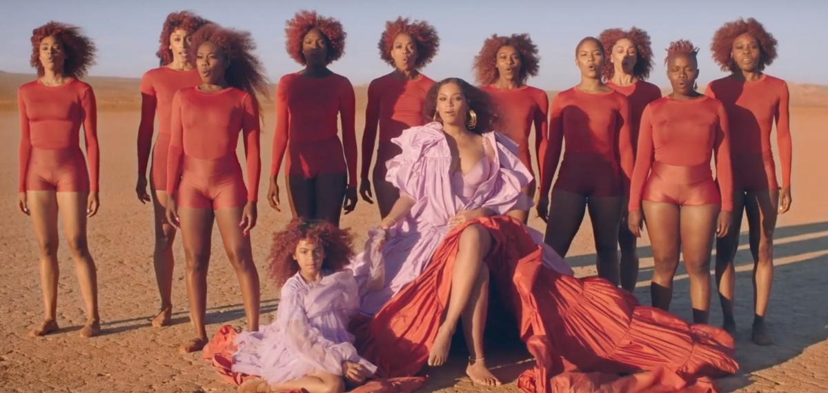 Королева Джунглей: Бейонсе и ее дочь танцуют среди африканских просторов в клипе на саундтрек к «Королю Льву»