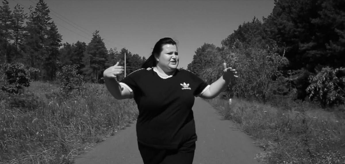 «Намерена стрелять точно в цель»: Alyona Alyona выпустила дебютный альбом «Пушка»