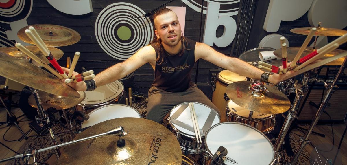 Никита Рубченко, автор рок-версии Гимна Украины, презентует новый клип