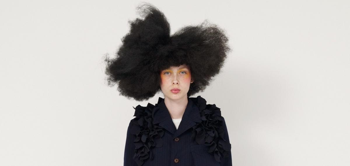 Школьная форма и кукольная театральность: Коллекция Comme des Garçons
