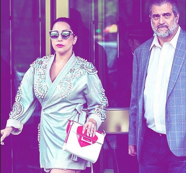 Папина дочка: Леди Гага показала фото с отцом