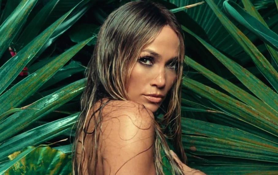 Горячие испанские танцы в новом видео Jennifer Lopez