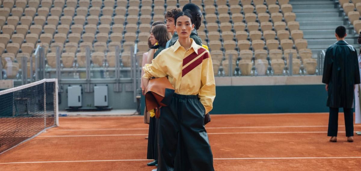 Любовь к моде и теннису: Lacoste провели показ SS20 в комплексе Roland Garros