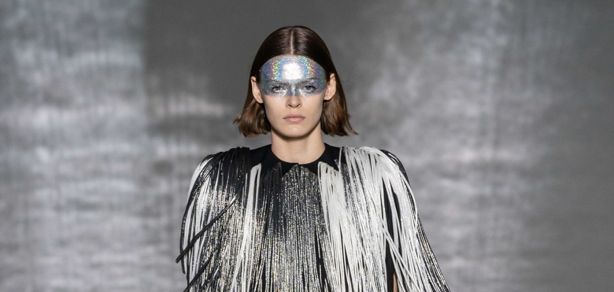 Страстное кружево и провокационный латекс на показе весенней коллекции Givenchy 2019