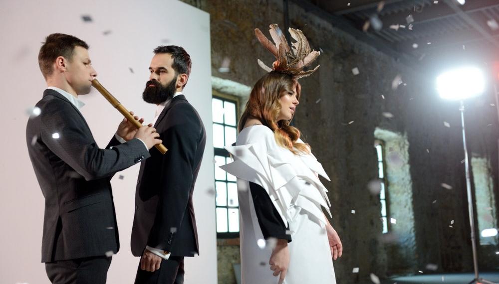 Fashion-вертеп в новом видео группы KAZKA