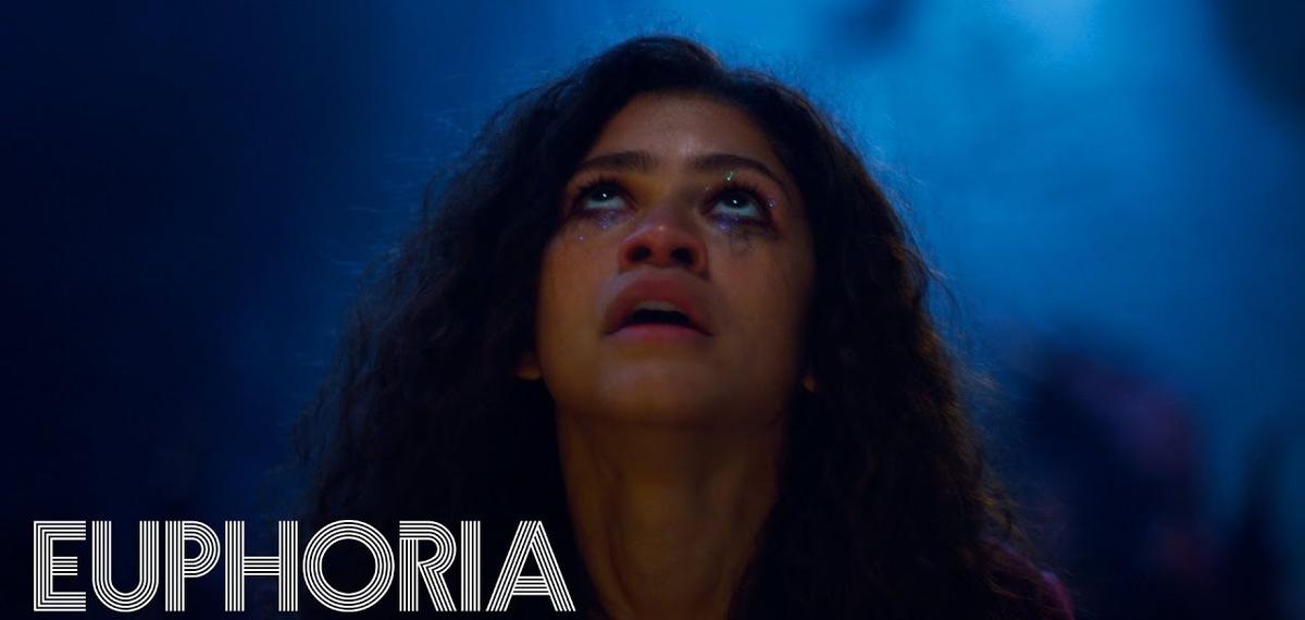 Это надо видеть (и слышать): Зендая в пугающем танце с госпел-хором в клипе на саундтрек к «Euphoria»