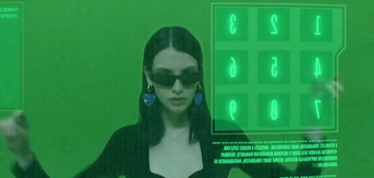 Balenciaga воссоздали фильм «Матрица» в новом кампейне
