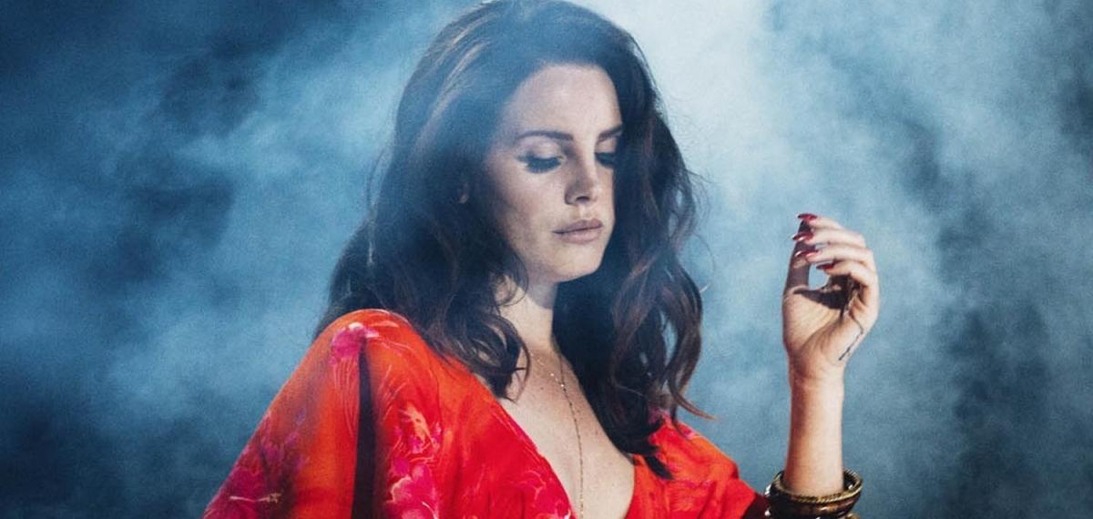 Меланхолия и красота: Lana Del Rey очаровала новым клипом