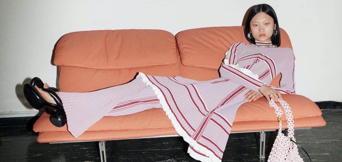 Jil Sander играет с текстурой и формами в коллекции Resort 2022