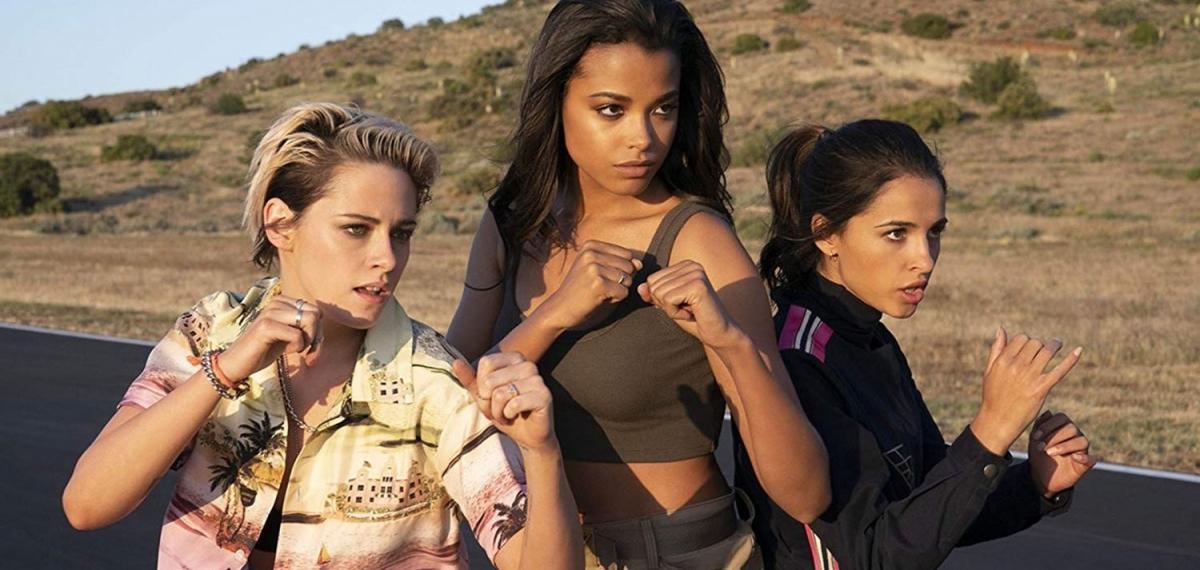 Девчонки наказывают всех: Смотрите трейлер новых «Ангелов Чарли»