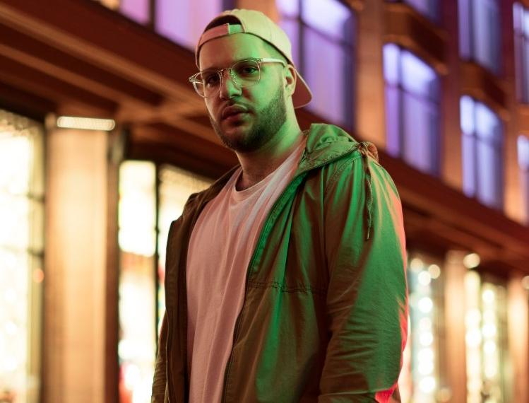 Michael Ashwood презентовал дебютный альбом