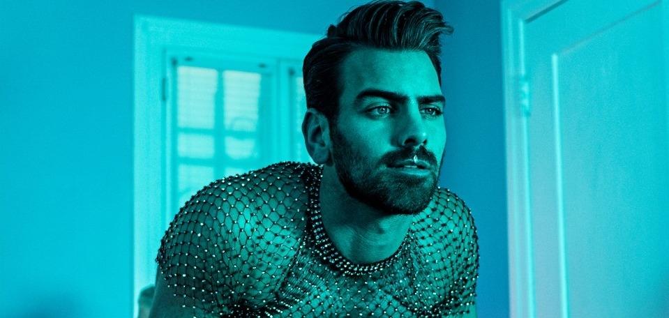 Глухой парень-модель Найл Димарко в знак протеста представил ремейк с сурдопереводом клипа Арианы Гранде