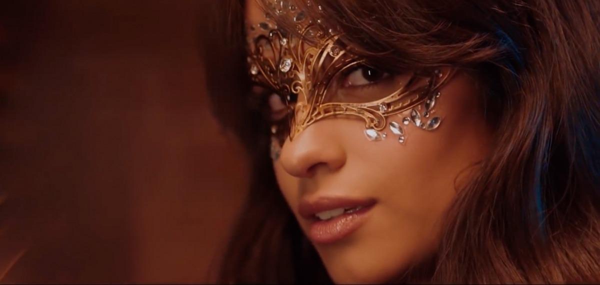 Ангельская любовь в клипе Bazzi и Camila Cabello