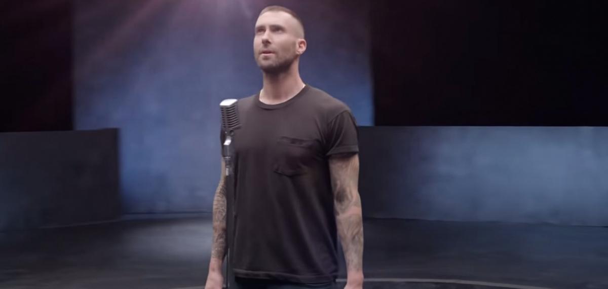 Найди 10 отличий: Второй клип Maroon 5 на песню Girls Like You