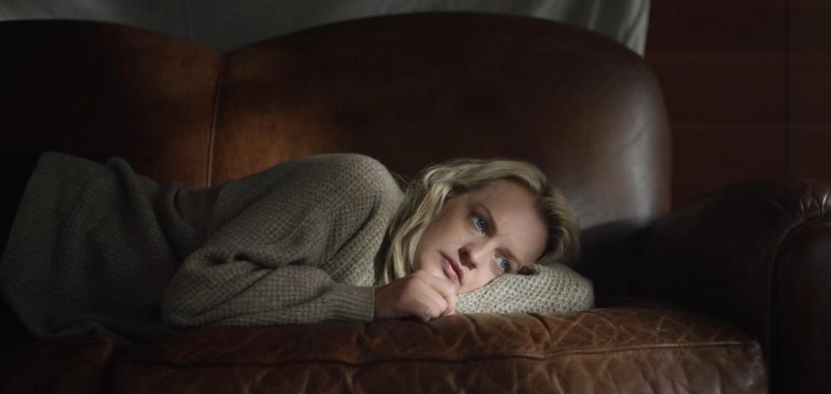 Звезда «Рассказа служанки» в музыкальном видео об однополой любви Бренди Карлайл