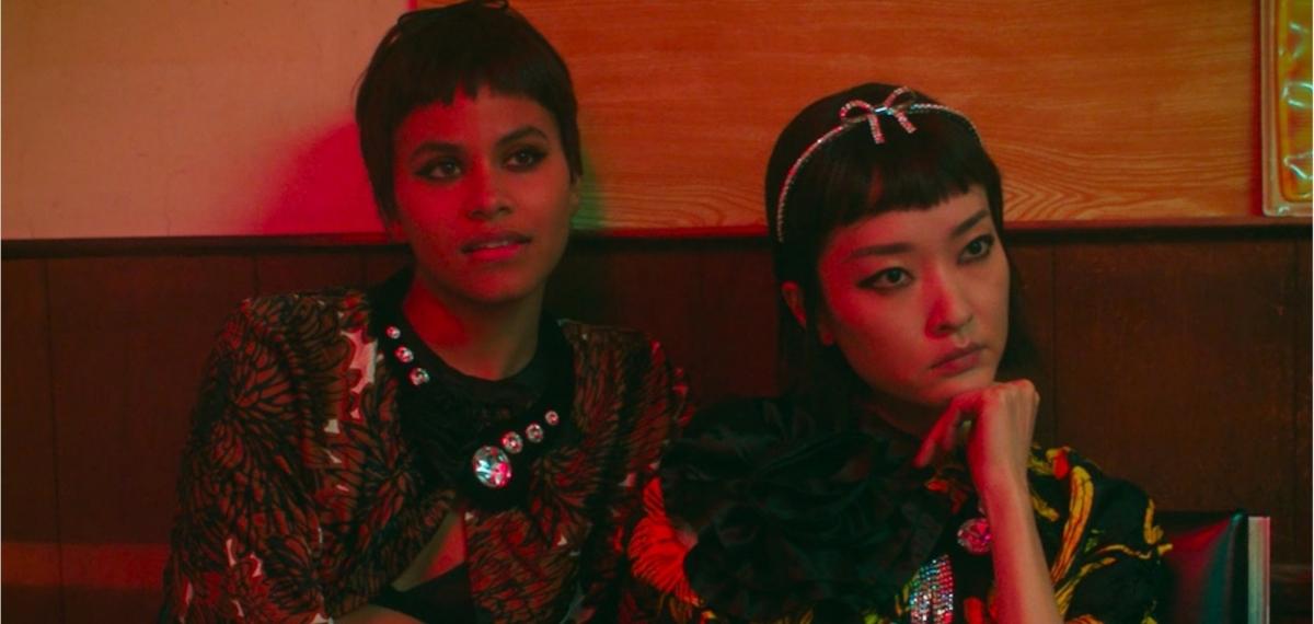 Модели меняют прическу и «начинают с нуля» в новом видео для Miu Miu