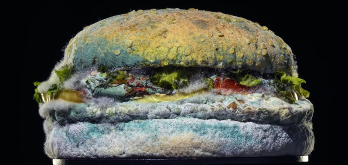 Burger King наносят удар McDonald's, выпустив отвратительный рекламный ролик