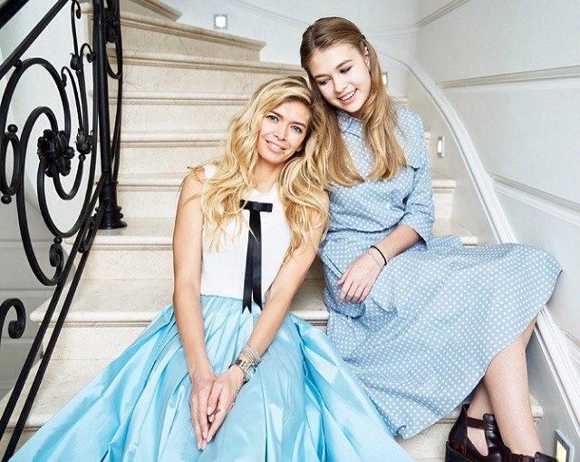 Вера Брежнева с дочерью на обложке журнала OK!