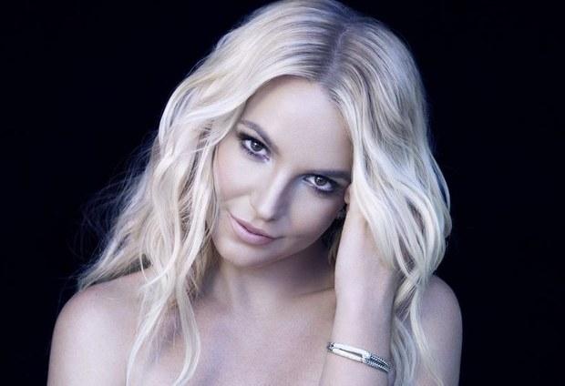 Бритни Спирс, Селена Гомес, Дженнифер Лопес и многие другие записали песню памяти жертв трагедии в Орландо