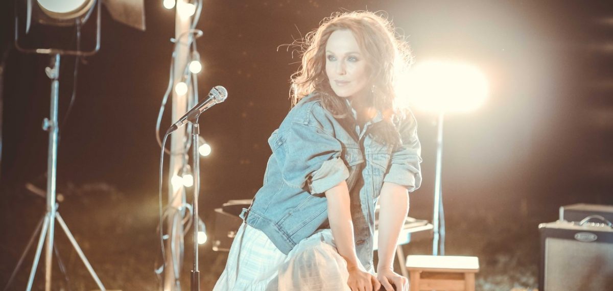 Альбина Джанбаева сняла клип на песню «Один на один»