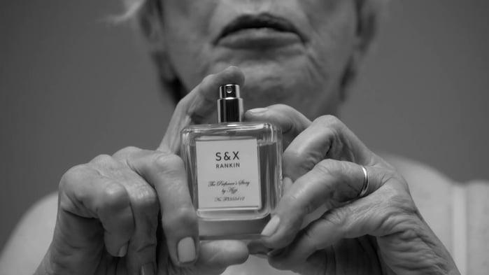 Геи, лесбиянки и старики в сексуальном кампейне парфюма S&X (18+)