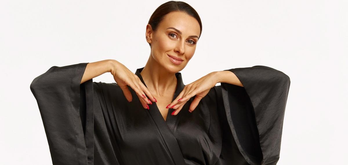 Dj NANA представила собственный бренд халатов для дома и выхода в свет