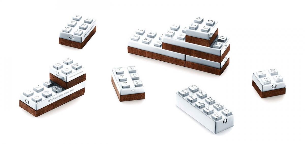 Игрушки для взрослых: Tiffany & Co. выпустили серебряные кубики LEGO