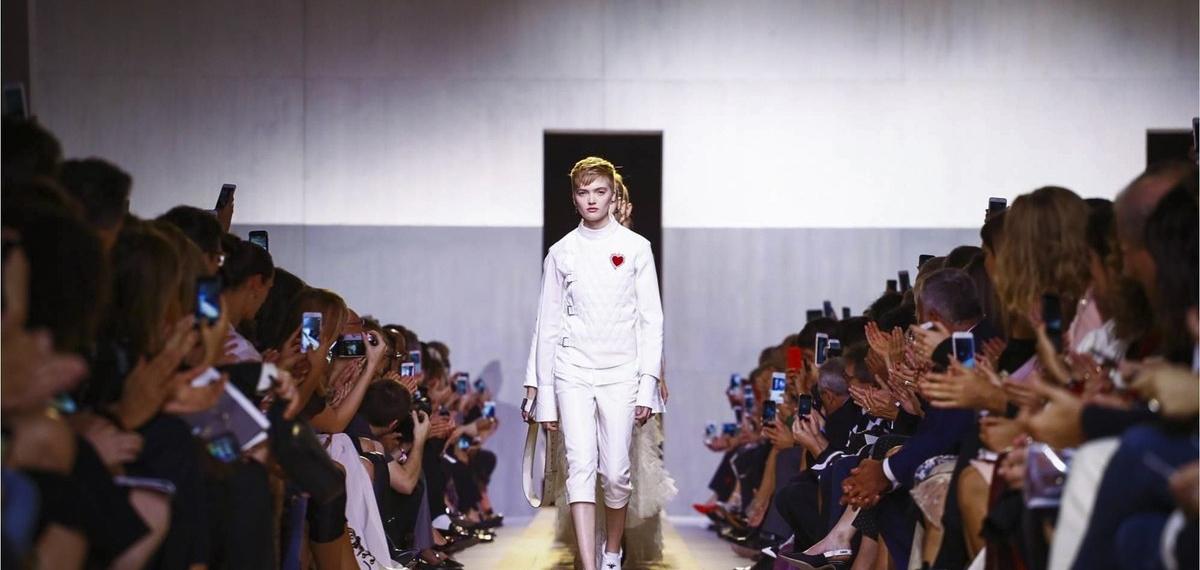 Дебютная коллекция Марии Грации Кьюри для Christian Dior