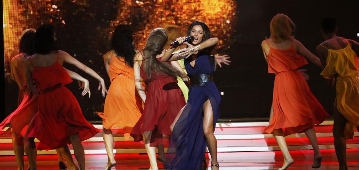 Злата Огневич устроила балканские танцы во Дворце