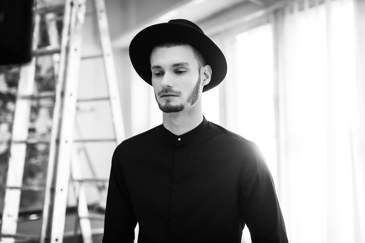Alex Zakharchuk презентовал украиноязычный трек