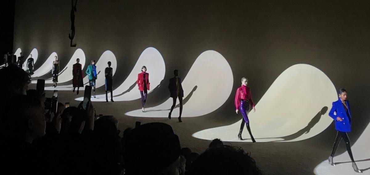 Saint Laurent возвращается на Неделю Моды в Париже