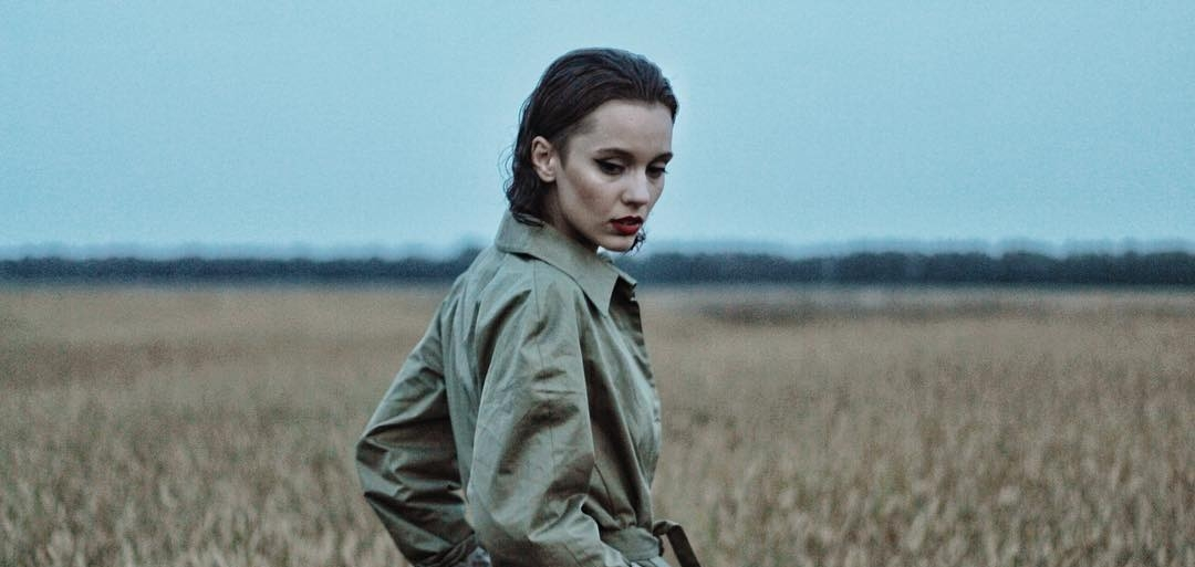 «Главное очень сильно хотеть»: DaKooka представила новое фатальное видео на песню «Стук»
