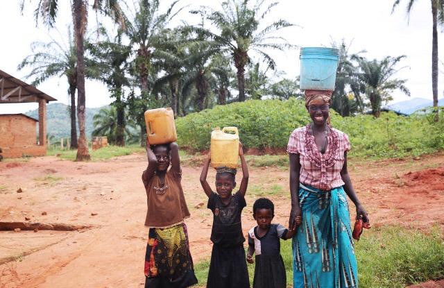 Gucci выделили 1 миллион долларов для построения водных скважин в Африке
