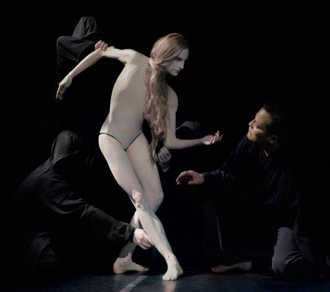 Дрис ван Нотен создал костюмы для японской оперы Hagoromo