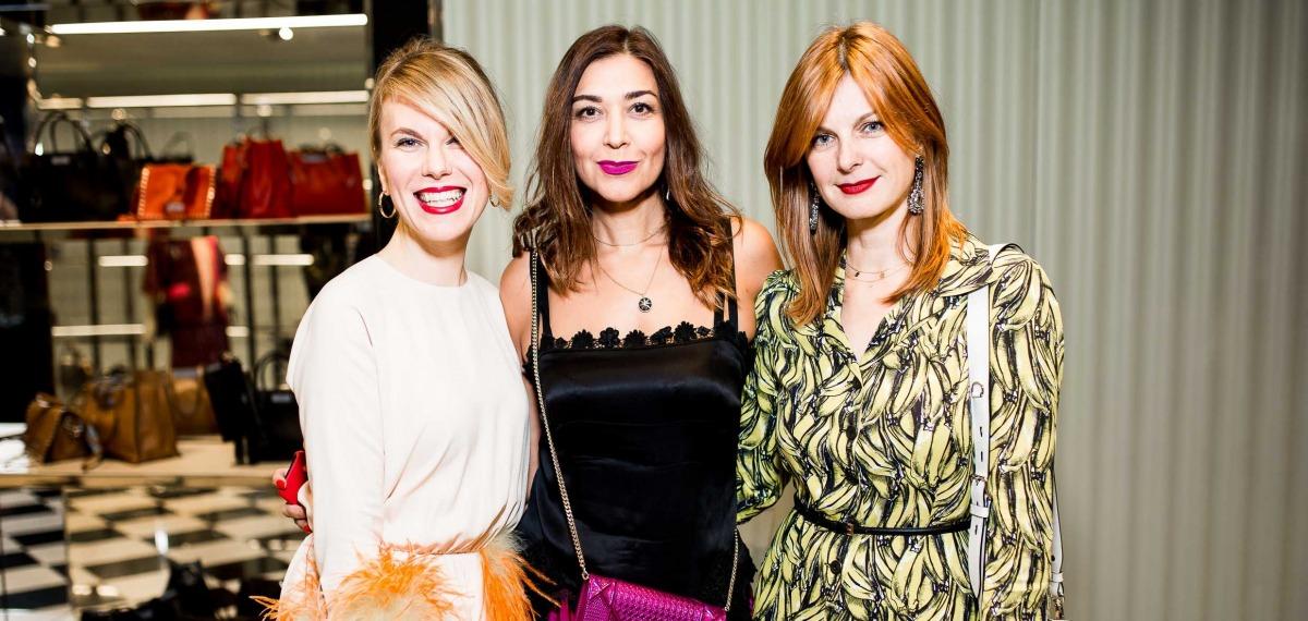 Неоновые мечты: презентация новой коллекции Prada