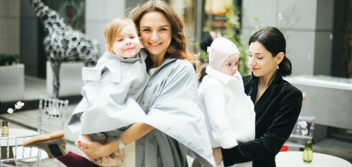 Дочки-матери: Светлана Бевза и ее дочь Анна представили детскую версию взрослой коллекции BEVZA