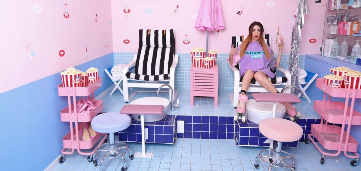 Надя Дорофеева в капсульной коллекции Omelya T-Dress для SO DODO