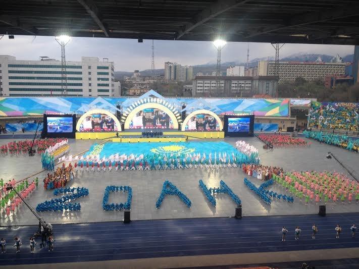 Александр Лещенко повторил успех массовых постановок в Казахстане!