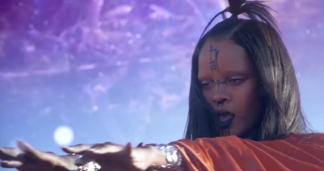 "Рианна представила новое видео ""Sledgehammer"" в IMAX"