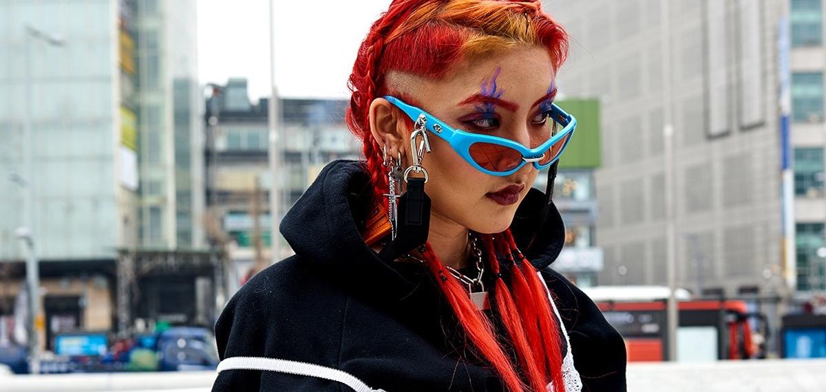Впечатляющий Street Style на Неделе моды в Сеуле: Смелая графика, энергичный цвет и лучшие бренды
