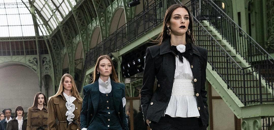 Самостоятельный круиз: Виржини Виар представила свою дебютную коллекцию Chanel